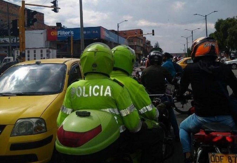 La Policía persiguió por varios barrios de Sogamoso a un borracho que huyó en su carro, luego de amenazar a una mujer con un arma de fogueo. Foto ilustración: archivo particular