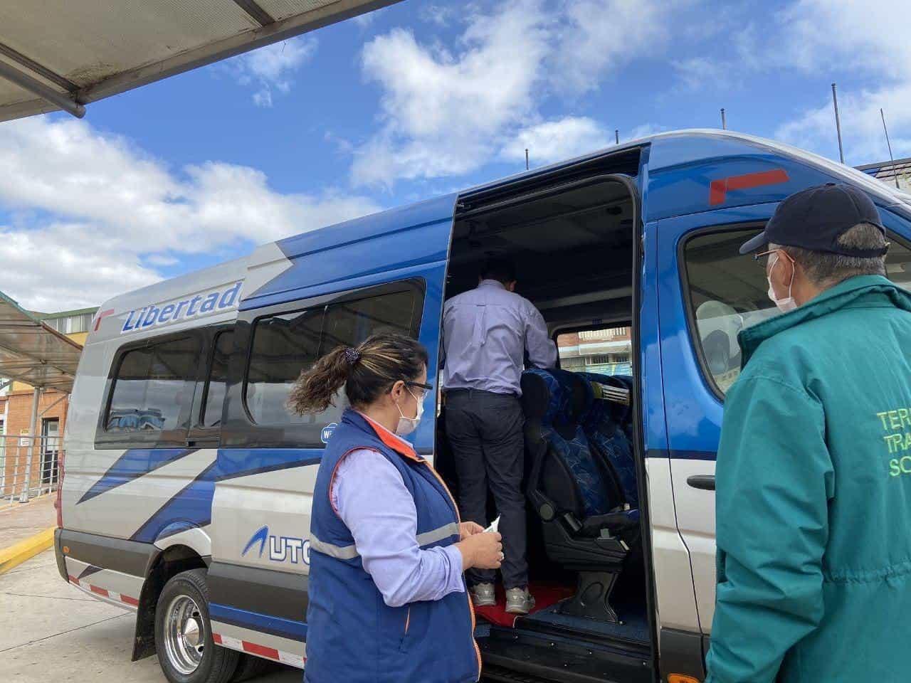 Las rutas y destinos nacionales han sido realizadas por 163.026 vehículos de servicio público.  Foto: Archivo Particular