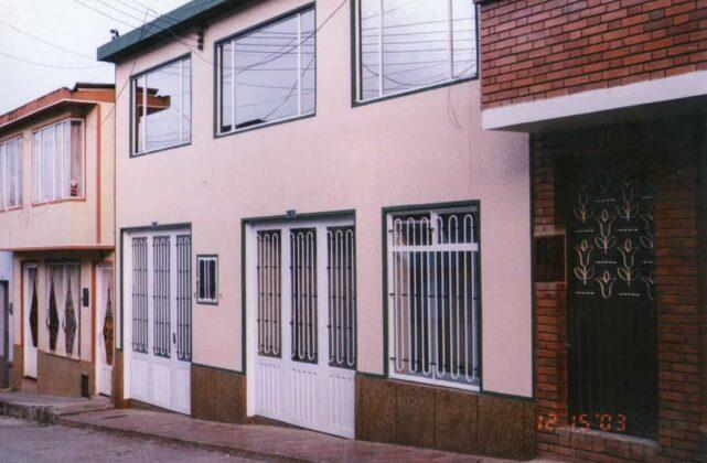 Tras cuatro meses en una pequeña oficina ubicada en el Hotel Panorama en el centro de Garagoa, Corpochivor se ubicó a pocas cuadras de allí, en una casa en la calle 8 con carrera 9.