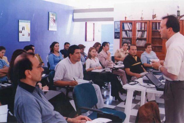 La primera Unidad Móvil de Educación Ambiental, se convirtió en su momento en una sensación para los diferentes municipios de su jurisdicción por la novedad en el servicio.
