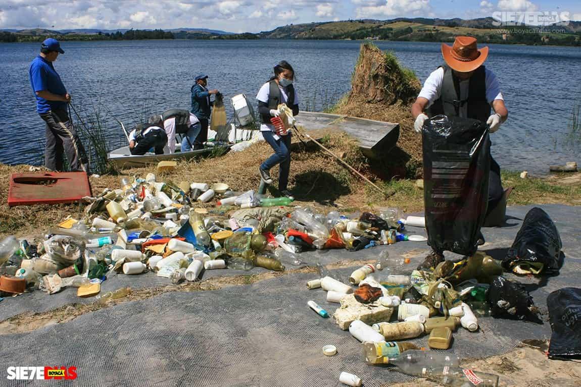 El alcalde de Sogamoso insiste en que la recuperación del lago de Tota es responsabilidad de todos los que se benefician de este recurso. Foto: archivo Boyacá Sie7e Días
