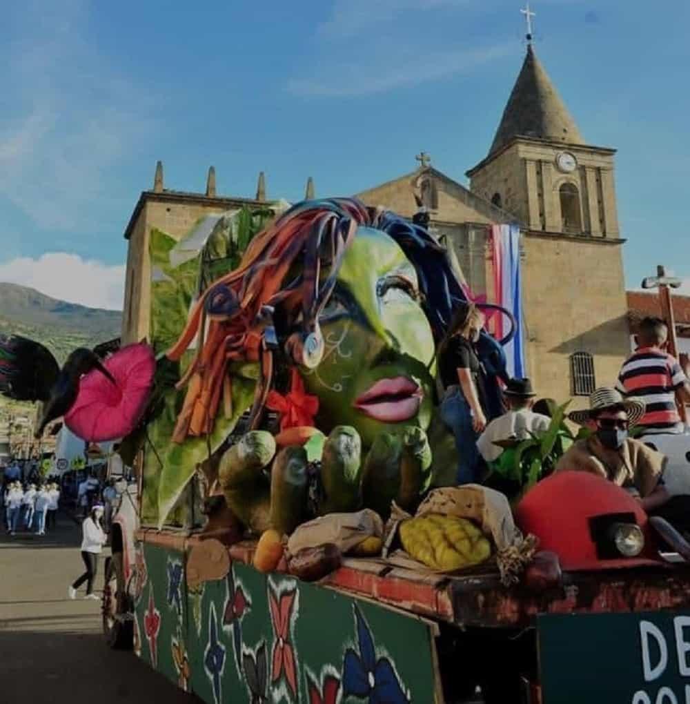 Uno de los eventos más atractivos fue el Gran Desfile de Carrozas en honor a la Historia de Socha. Foto: archivo particular