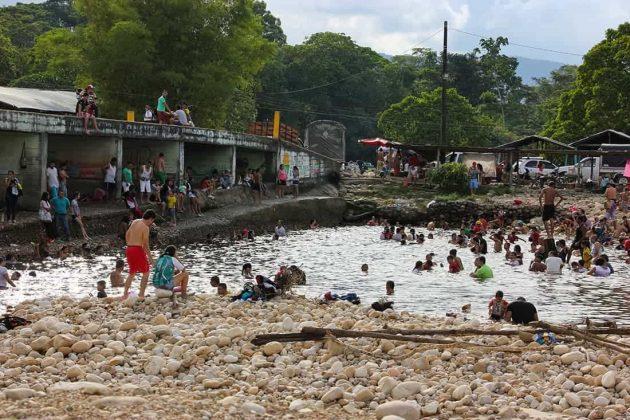 El río Róyota, ubicado cerca del centro del municipio de Cubará, se convierte en un balneario natural y tradicionalmente preferido para el primer día del año. Foto: archivo Boyacá Sie7e Días