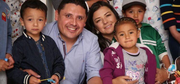 """Desde el inicio de la administración, la gestora social Gisela Rodríguez ha demostrado su entrega por las causas que tienen que ver con la niñez tunjana y por eso diseñó las """"caravanas de la alegría y la esperanza"""" para el Aguinaldo Boyacense. Fotografía - Archivo particular."""