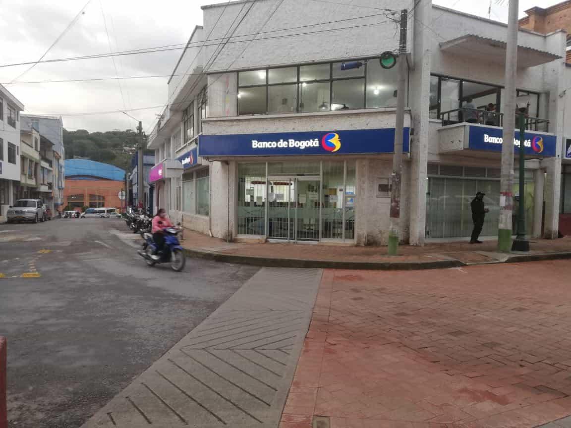 Lo que se sabe del atraco a mano armada de esta tarde a banco de Moniquirá 1