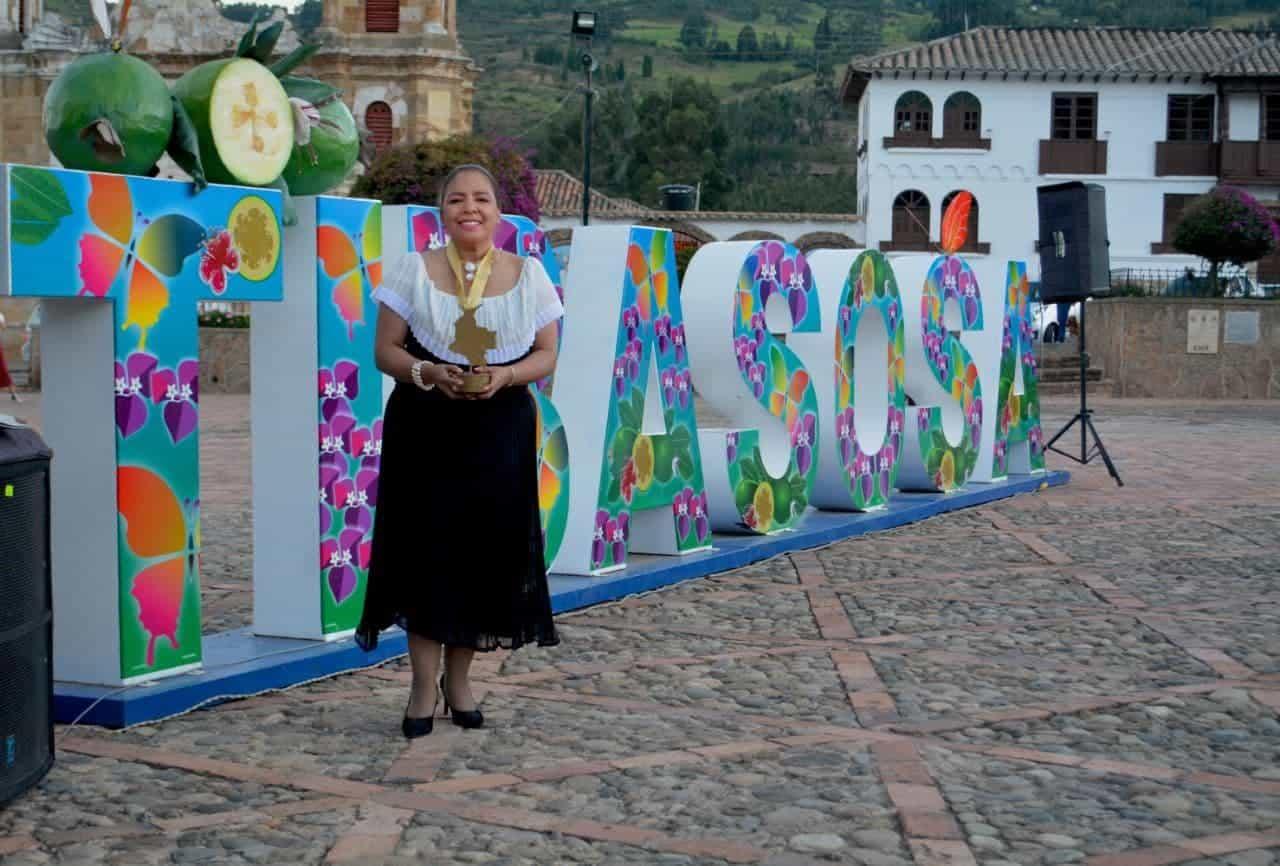 La Alcaldesa de Tibasosa fue premiada por su servicio y cumplimiento a la comunidad 1