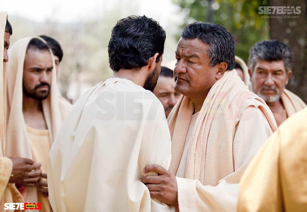 Por política el exalcalde esta vez no será el Judas #Tolditos7días 1