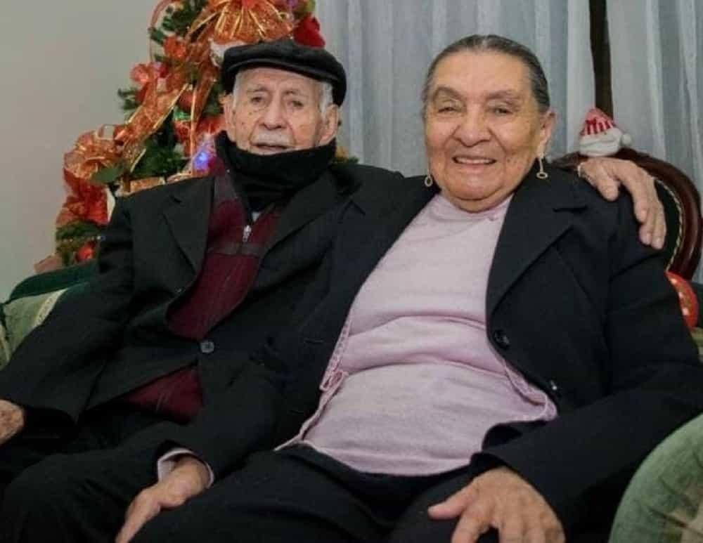 Un adulto mayor de 106 años de edad y su esposa, de 87, fueron vacunados contra el COVID en el municipio de Pesca 1
