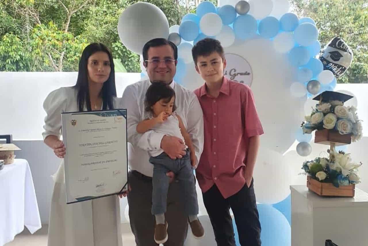 El grado de Jonatan Sánchez con gallina campesina #Tolditos7días 1