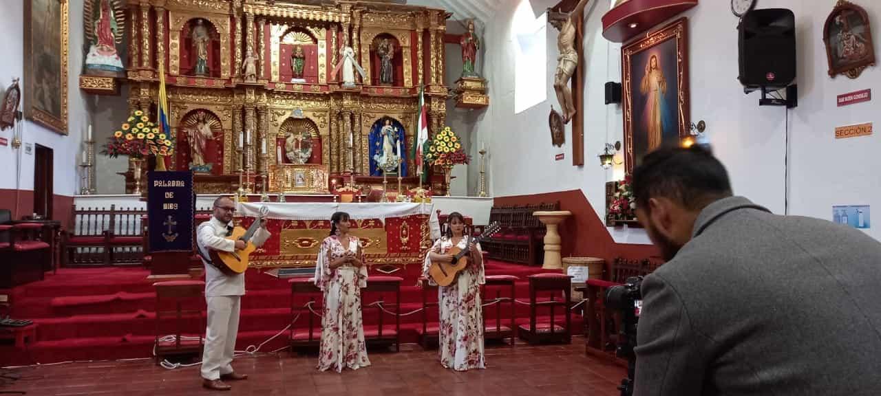 """La Arquidiócesis de Tunja lanza """"Viacrucis de amor"""" en las voces de Margarita Dueto Vocal 1"""