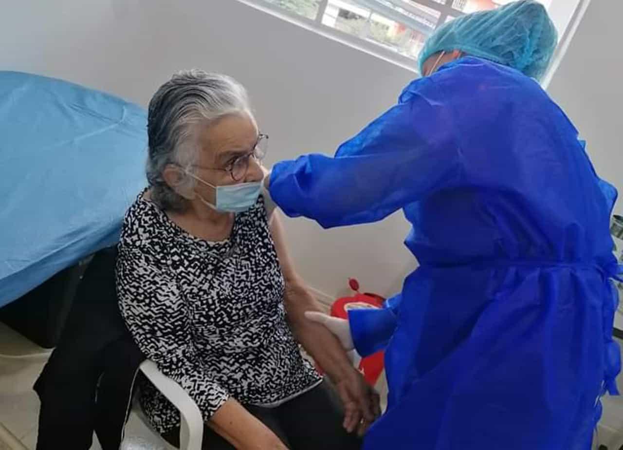 Ecoopsos Vacuna a 11.133 afiliados en Boyacá 1
