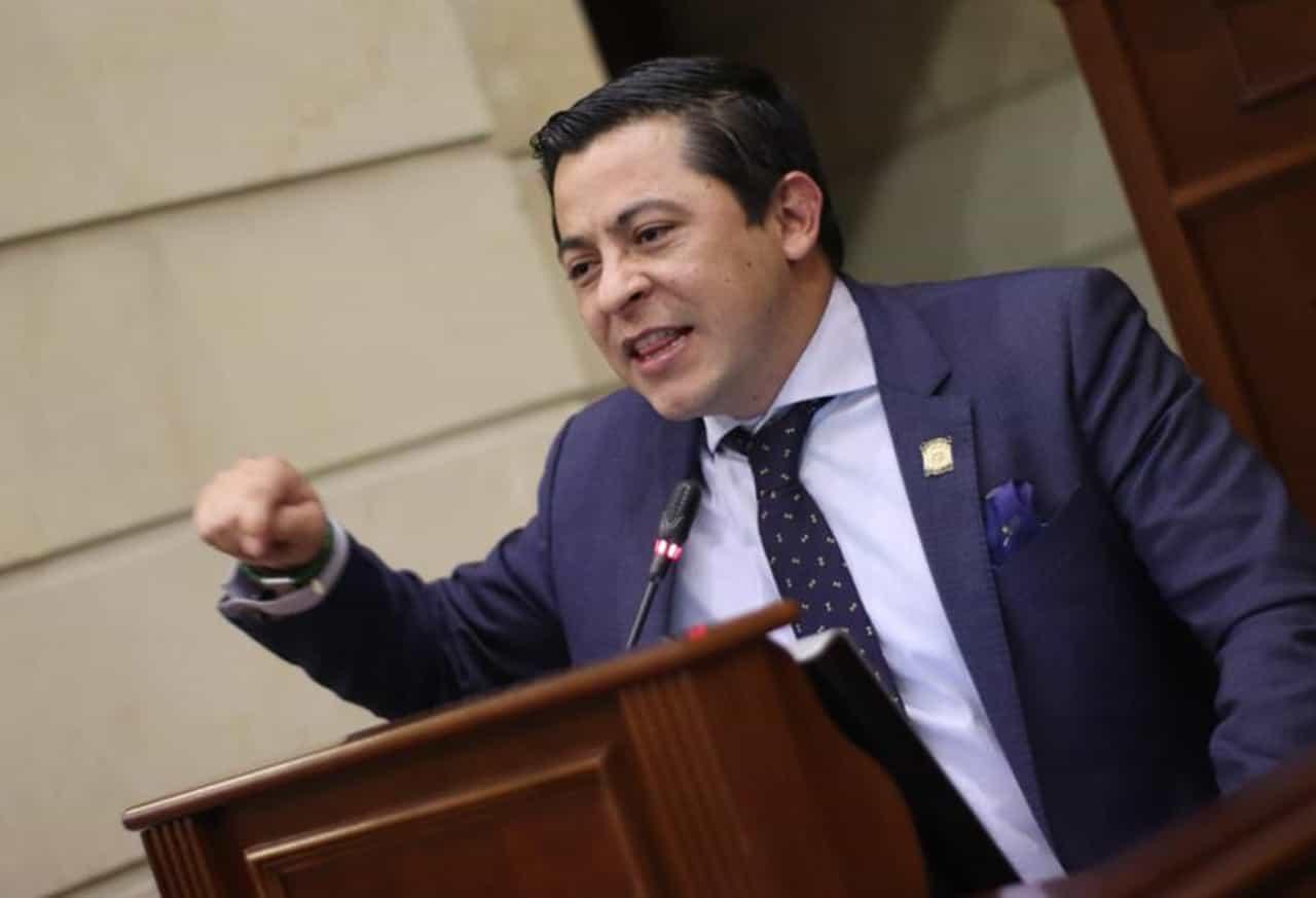 Congresista denuncia que empresa Nikoil Energy incumplió fallo judicial #Tolditos7días 1