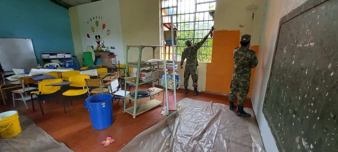 Uniformados del Ejército están pintando futuro 1