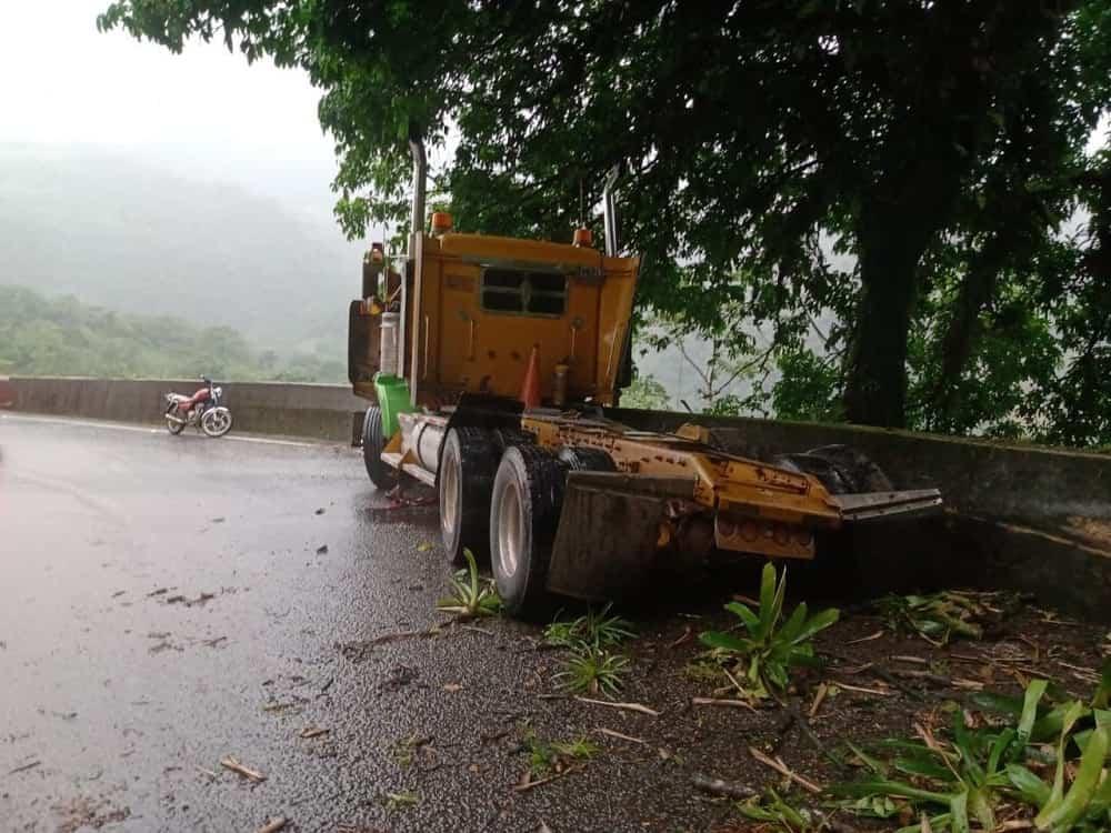 Emergencia en Pajarito por derrame de petróleo en quebrada que desemboca en el río Cusiana 2
