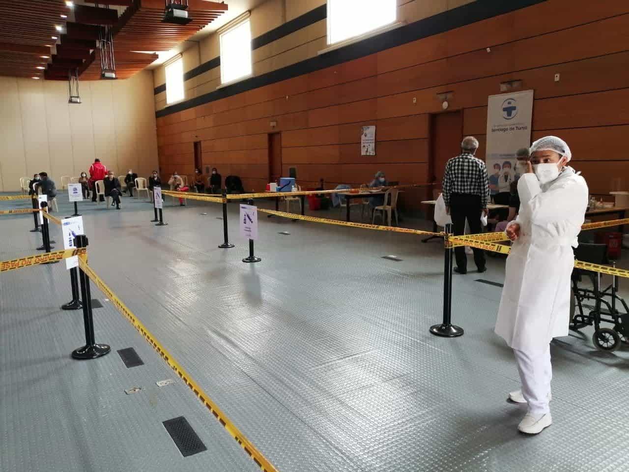 El centro de convenciones de Tunja se transformó en el punto de vacunación COVID de Boyacá 1