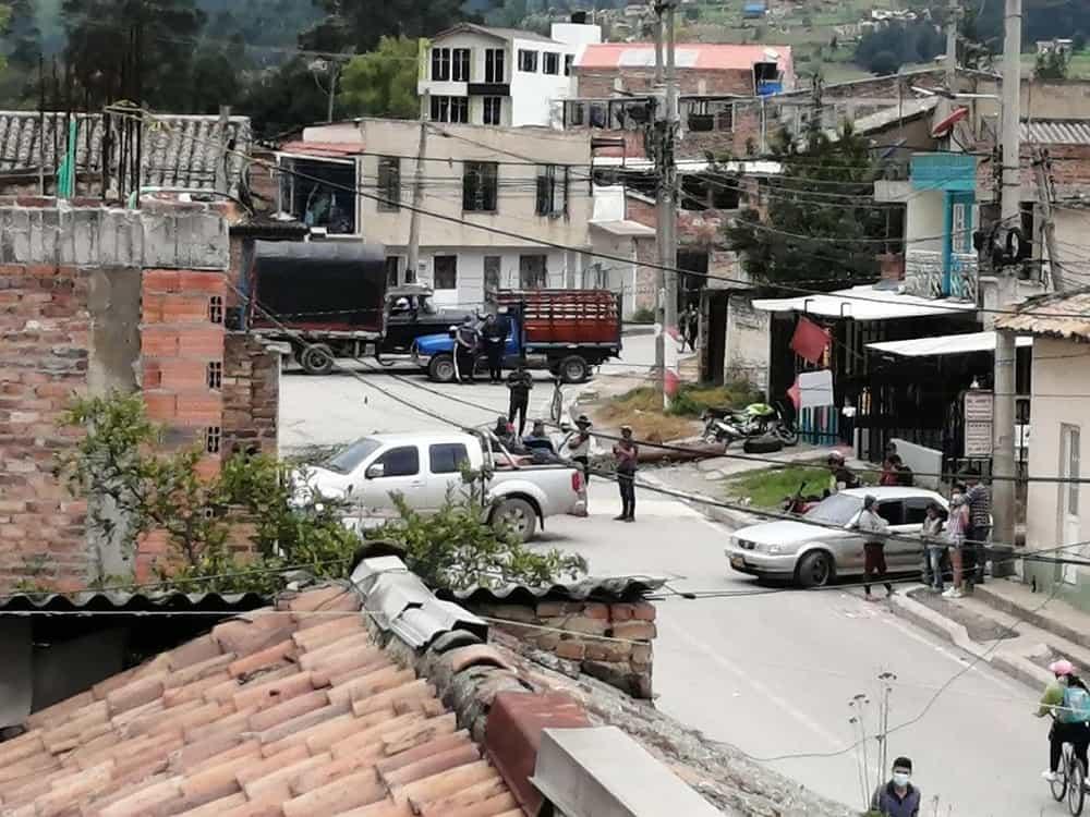 Manifestantes estaban cobrando por dejar pasar vehículos en Sogamoso #Tolditos7días 1