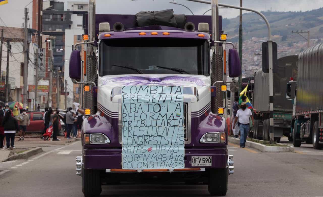 Camioneros de Boyacá mantienen bloqueos en puntos estratégicos del departamento 1