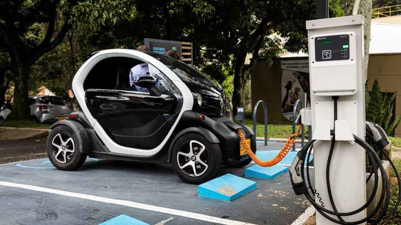 En Boyacá solo existen tres, de los 4.631 carros eléctricos que ruedan por Colombia 1