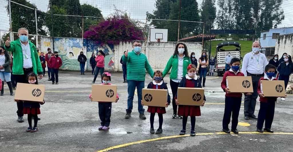 Todos los estudiantes del campo en Sogamoso recibirán computadores, confirma el alcalde #LaEntrevista7días 2