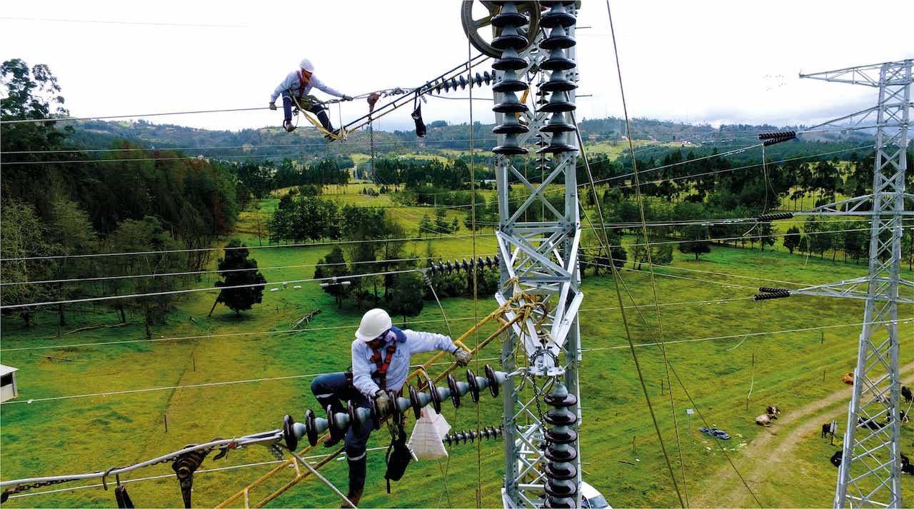 ¿Para qué la EBSA está instalando en su infraestructura cables semi-aislados o ecológicos? 1