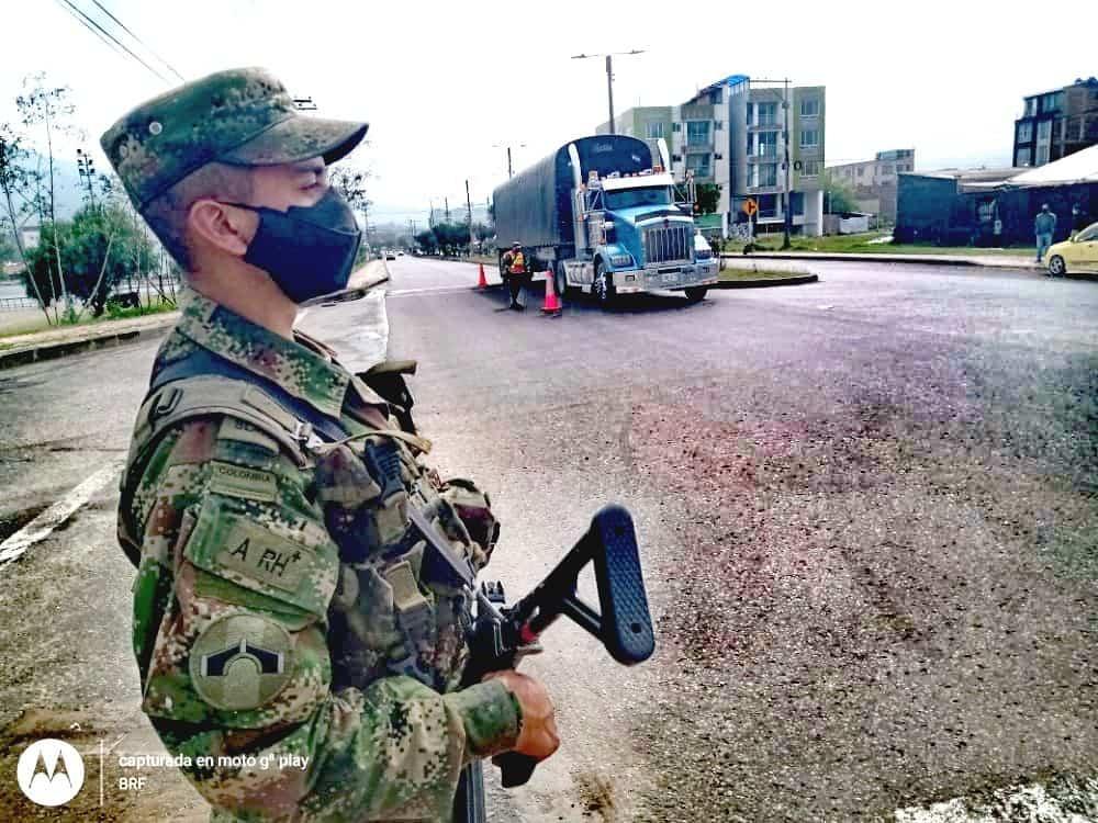 'El Ejército en Tunja y Boyacá seguirá en las calles y vías, como lo indica la Constitución Nacional' 1