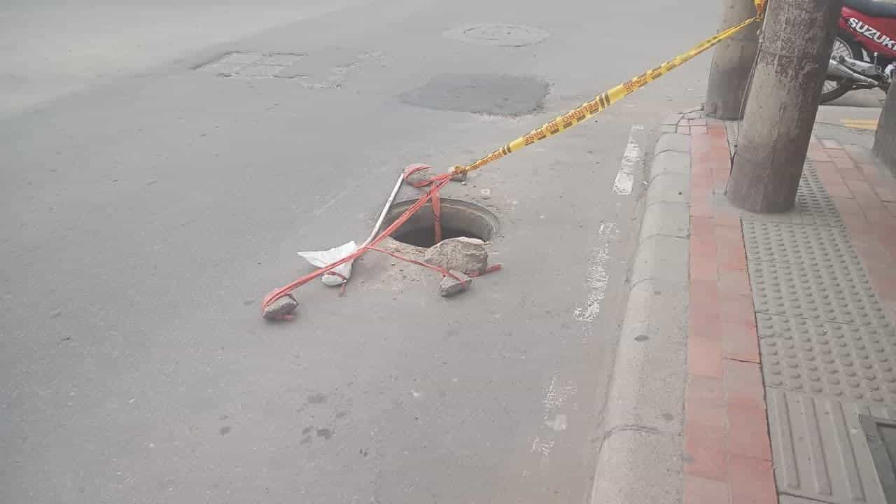 Un hueco que está poniendo en riesgo a transeúntes en Sogamoso #Tolditos7días 1