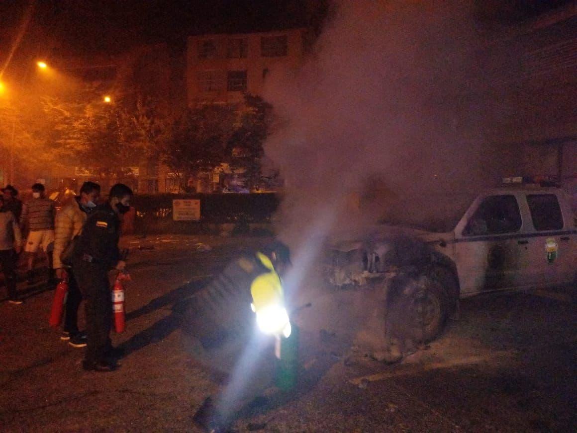 ¿Quiénes fueron los vándalos que quemaron la patrulla de la Secretaría de Tránsito de Duitama? 1