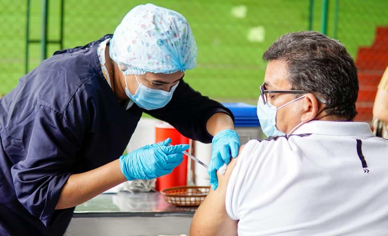 Docentes, directivos docentes y administrativos en Boyacá serán vacunados en próximos días 1