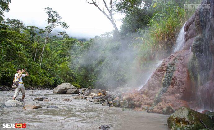 [Galería] - La cascada termal más alta de Colombia, un atractivo para disfrutar en familia en el municipio de Zetaquira 3