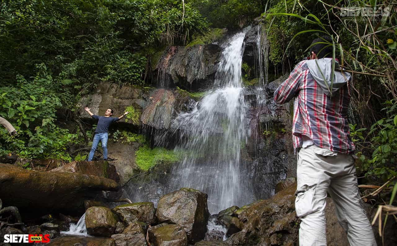 [Galería] - La cascada termal más alta de Colombia, un atractivo para disfrutar en familia en el municipio de Zetaquira 1