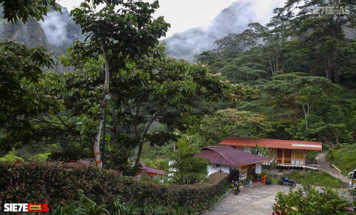 [Galería] - La cascada termal más alta de Colombia, un atractivo para disfrutar en familia en el municipio de Zetaquira 8