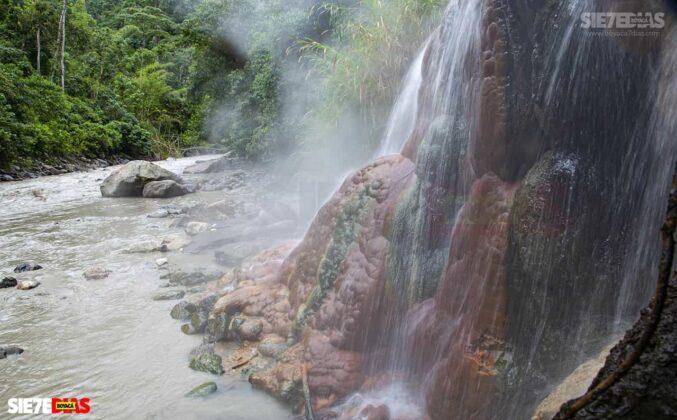 [Galería] - La cascada termal más alta de Colombia, un atractivo para disfrutar en familia en el municipio de Zetaquira 6