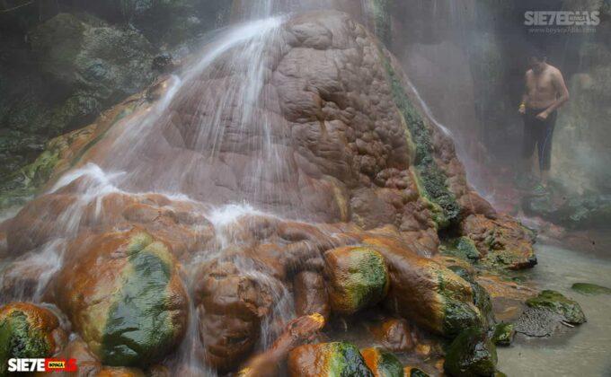 [Galería] - La cascada termal más alta de Colombia, un atractivo para disfrutar en familia en el municipio de Zetaquira 5