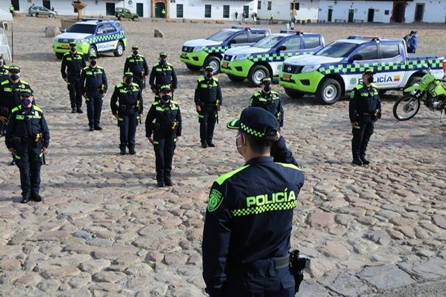 Villa de Leyva, primer municipio de Boyacá, en el que los policías ya estrenan el uniforme azul 1