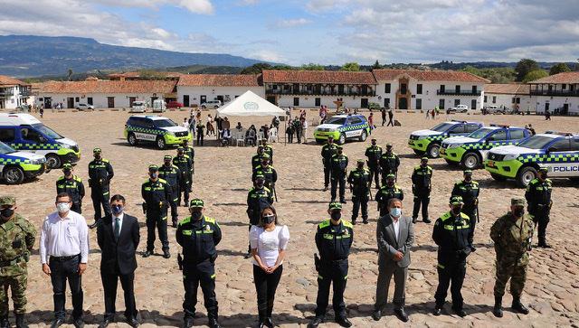 Villa de Leyva, primer municipio de Boyacá, en el que los policías ya estrenan el uniforme azul 2