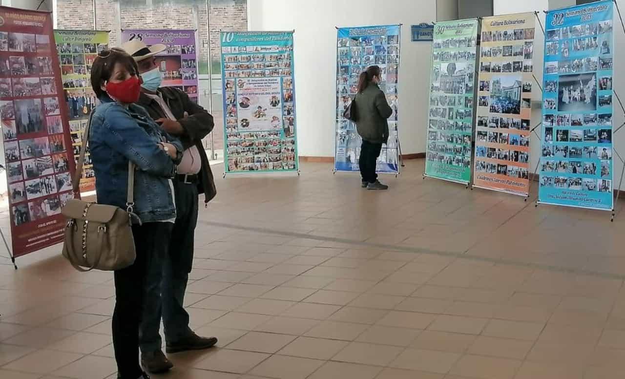 Una exposición de 1.603 fotos por los 40 años de la Semana de la Cultura Bolivariana en Duitama 1