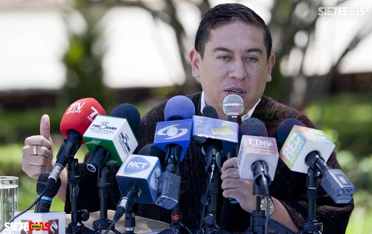 Carlos Amaya le dará la vuelta a Colombia en 40 días a partir de hoy buscando la candidatura presidencial de partido Verde 1