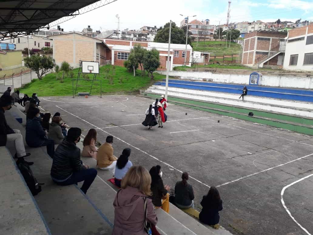 Con música y danza recibieron a docentes en su retorno a la presencialidad en Tunja 1