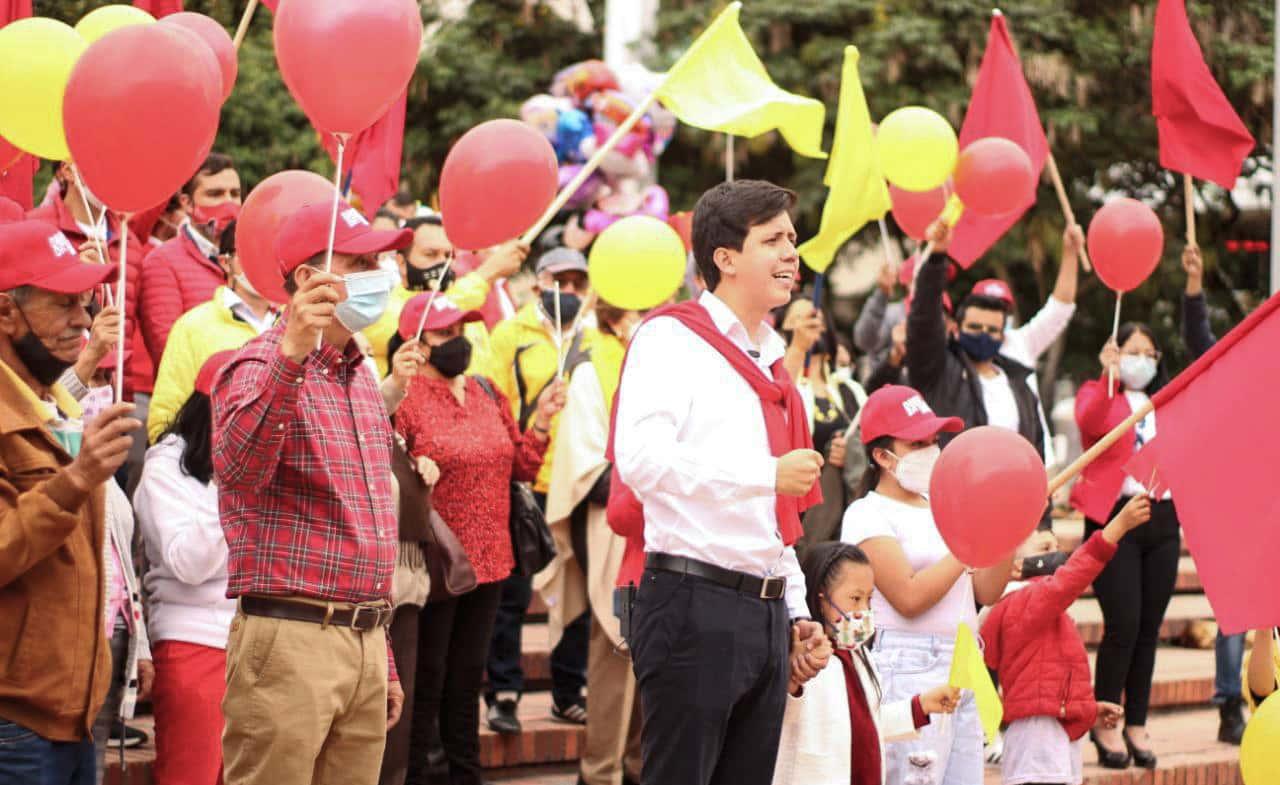 David Ortega se inscribió ayer como candidato a la Alcaldía de Duitama por la coalición Unamos Fuerzas, integrada por el partido Liberal, Mais y Polo Democrático.