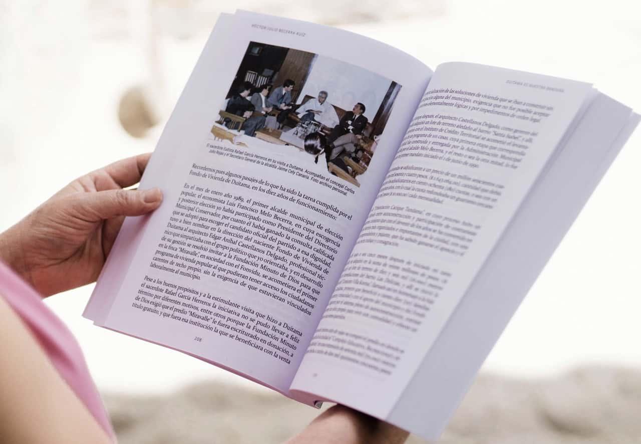 """Hoy se hace el lanzamiento oficial del libro """"Duitama es nuestra bandera"""" 1"""