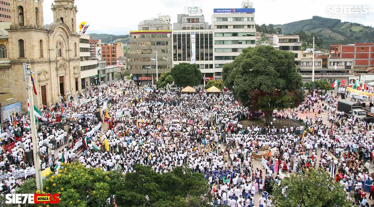 El creador de la Semana de la Cultura Bolivariana nos cuenta el pasado y presente del evento cultural más grande de Duitama #LaEntrevista7días 2