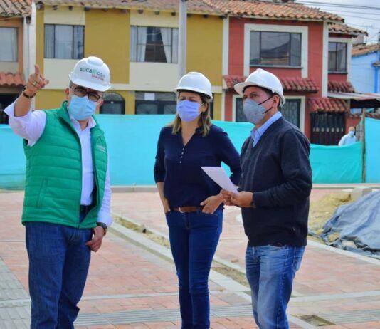 El alcalde de Sogamoso, Rigoberto Alfonso Pérez, recorrió los escenarios deportivos que construye la Gobernación de Boyacá en la ciudad. Foto: archivo particular