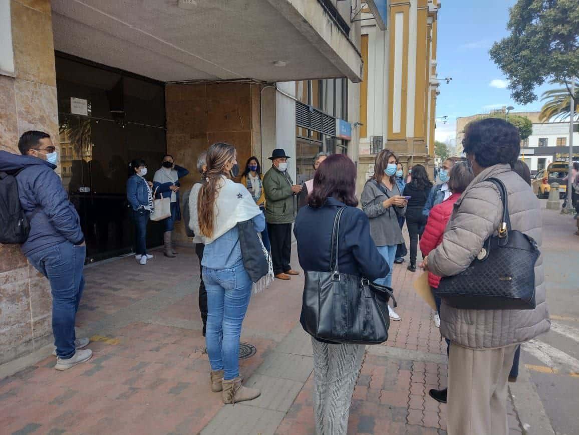 El Grupo Empresarial Venus no permitió hoy el ingreso al edificio donde funciona la Clínica Julio Sandoval Medina. Foto: archivo particular