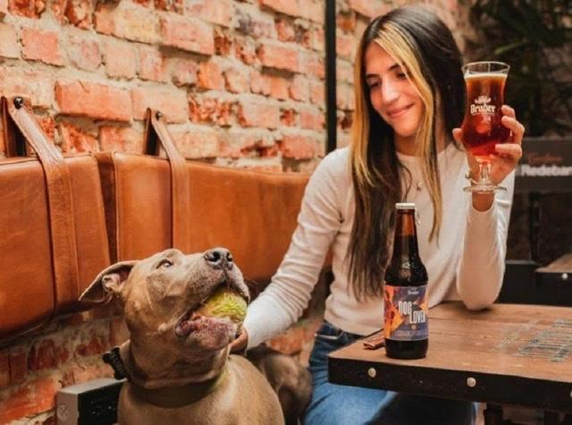 Bruder lanza una cerveza inspirada en el amor por los perros: Dog Lover 1