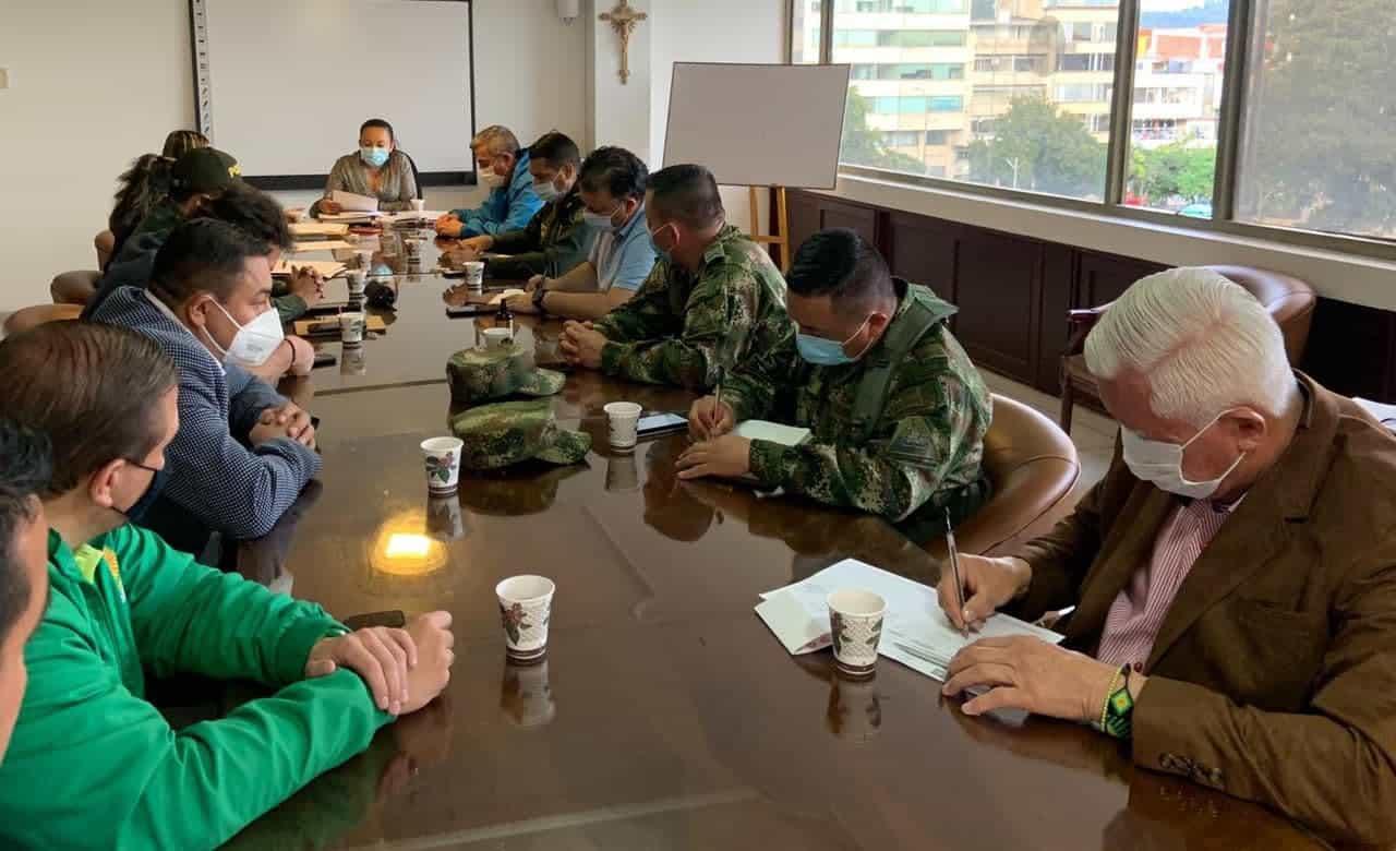 Ocho de los nueve firmaron pacto por la no agresión #Tolditos7días 1