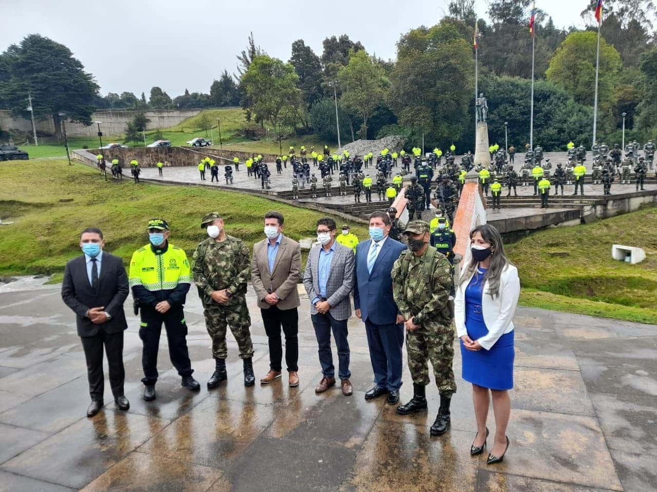 El ministro de Defensa, Diego Molano Aponte, indicó que se mantendrá un dispositivo de protección para el Puente de Boyacá y el Pantano de Vargas. Foto: Yanneth Fracica