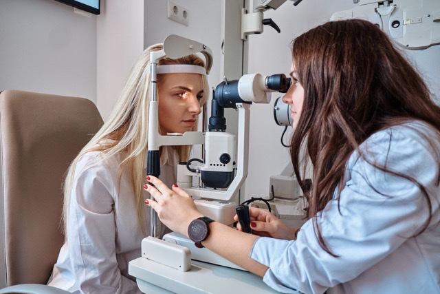 ¿Se golpeó los ojos?, siga estas recomendaciones para minimizar el riesgo de comprometer la visión 1