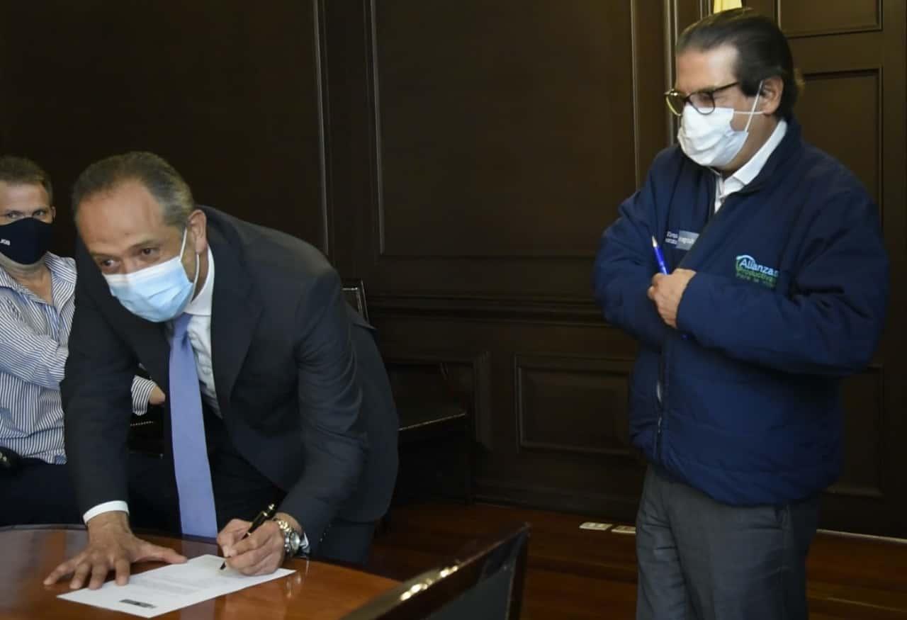 El Viceministro de Agricultura, Omar Franco Torres, tomó posesión en el cargo la tarde de este miércoles frente al Ministro Rodolfo Zea.
