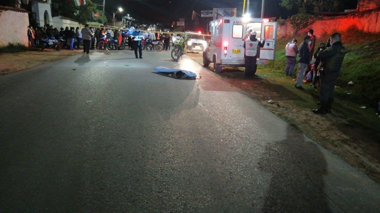 Violento choque entre dos motocicletas dejó un muerto y dos heridos en Sogamoso 1
