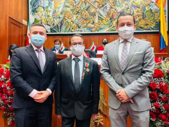 En la fotografía los diputados Luis Carlos Ochoa yYamirOswaldo López junto al exaltado Wilson Roberto Ayala.Fotografía - Archivo particular